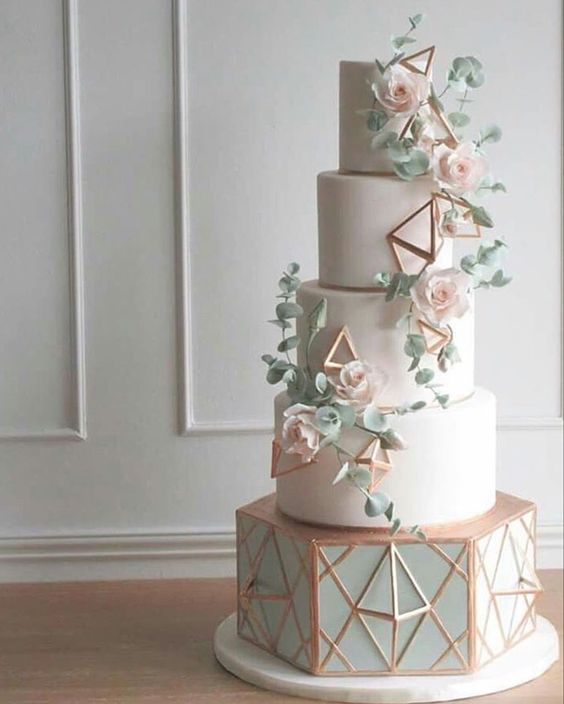 metalic wedding cake