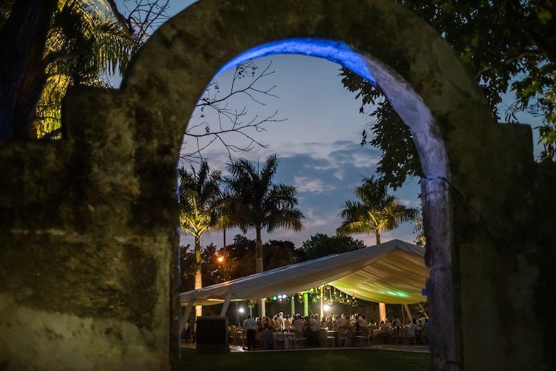 Boda en Hacienda Yucateca- Marifer y Miguel-festejo2.jpg