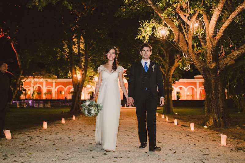 bride and groom arriving at destination wedding in Yucatan