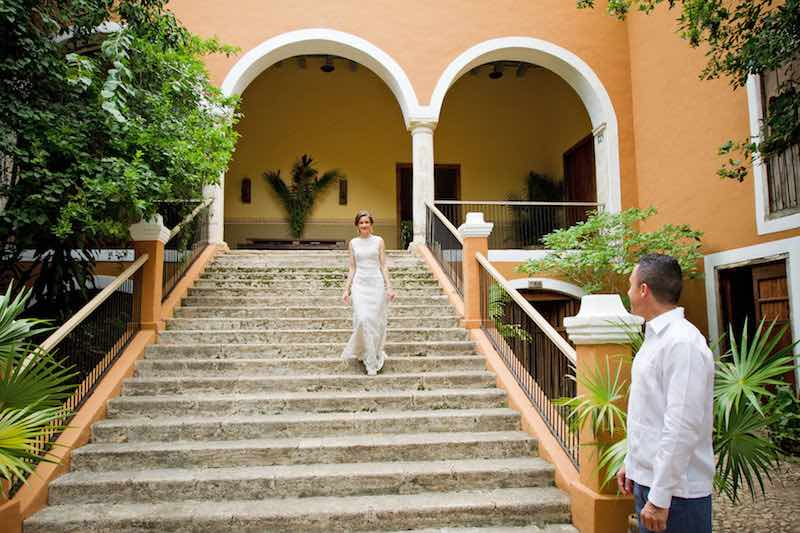 bride and groom at hacienda itzincab de camara