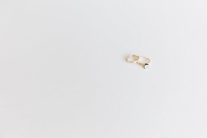 anillos de compromiso y de matrimonio