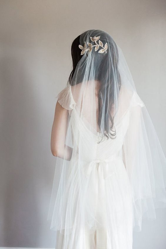 bridal veil up to the hip