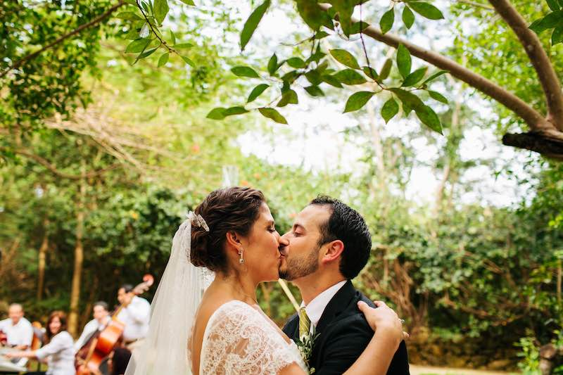 wedding kiss-2
