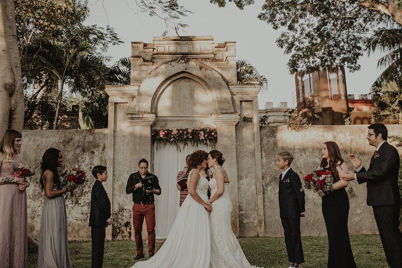 wedding kiss-3