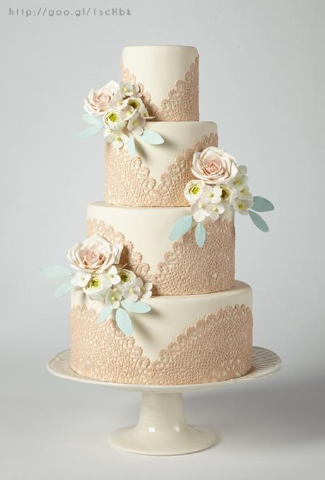 Elegant cake in Rose Gold Wedding