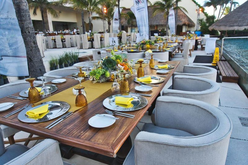 beautiful outdoor table and chair wedding decoration