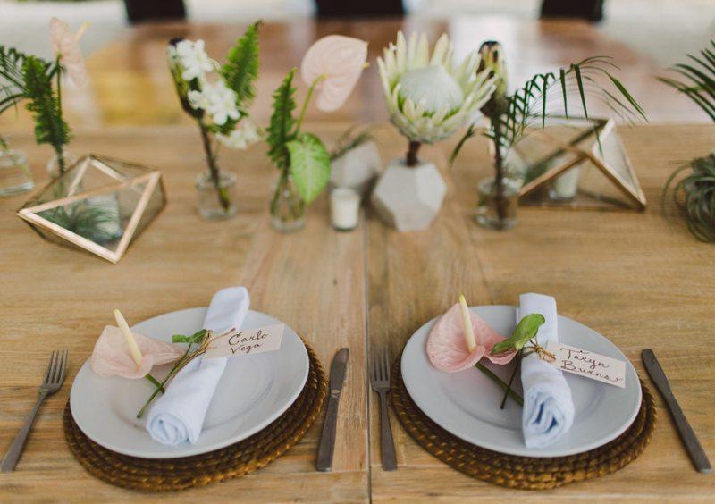 beautiful tropical tableware