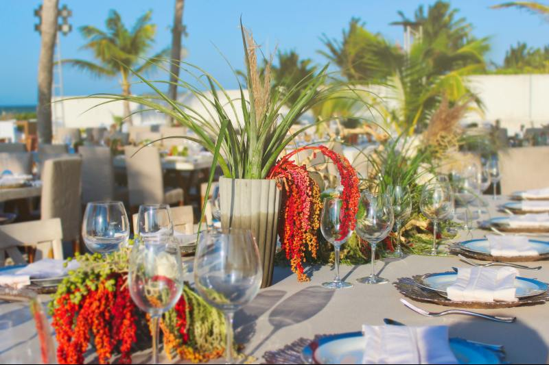 Exotic flowers for a beach wedding
