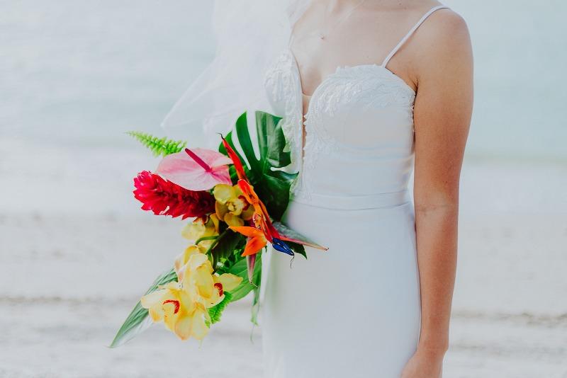 nuptial look style bride bouquet wedding beach