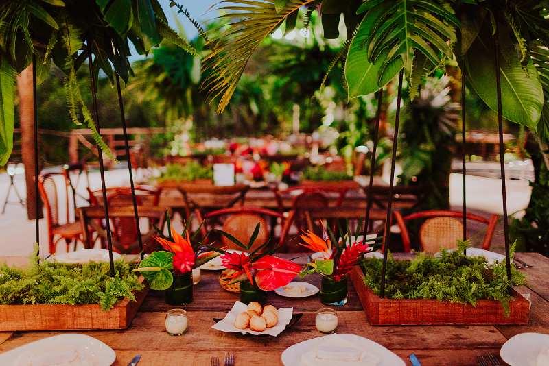 Freshness environment for a beach wedding