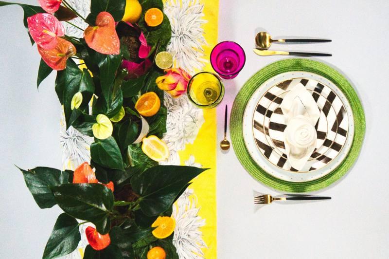 Tropical colorfull tableware