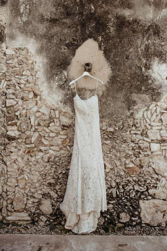 wedding hacienda Tanchem yucatan bridge dress