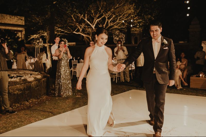 wedding hacienda Tanchem yucatan first dance