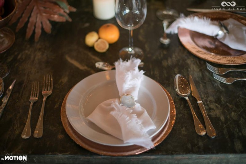 Minimalist tabletop for a wedding in Cancun
