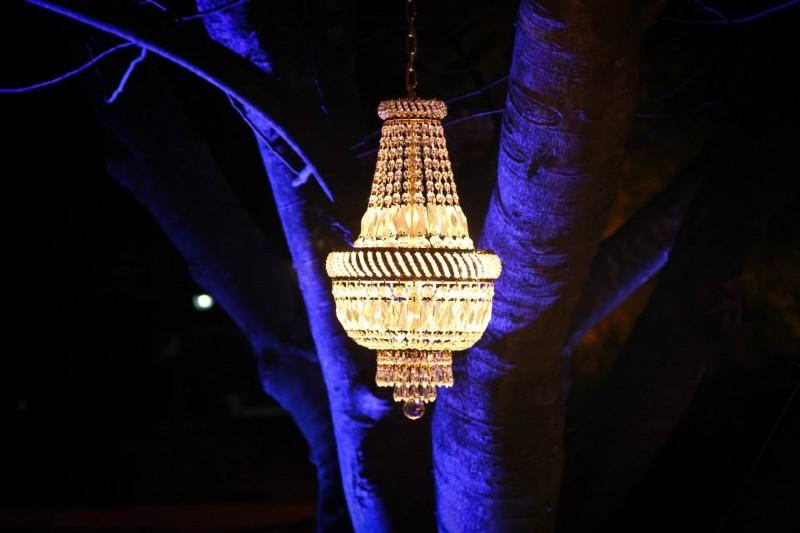 Gorgeous chandelier for beach weddings