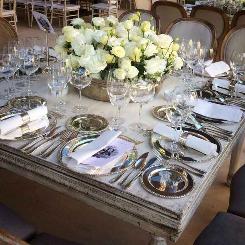 White decoration for Cancun weddings