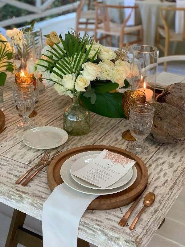 Vintage tableware for a beach wedding