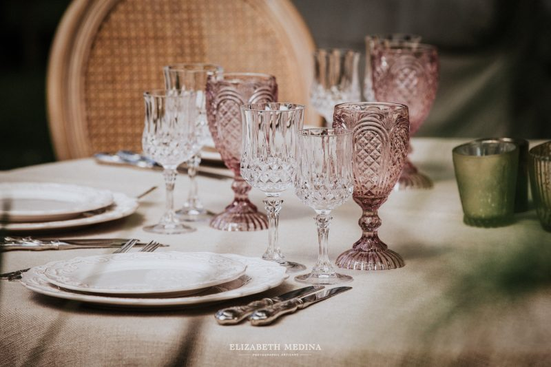 Beautiful crystal glasses for a romantic wedding