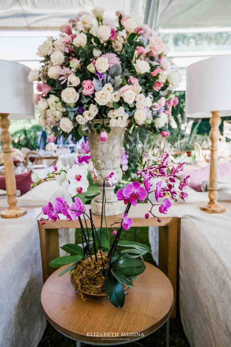 Lovely flowers to decorate a wedding with a romantic style