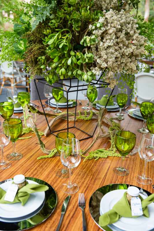 Decor in shades of green for your wedding in Cancun
