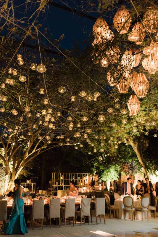 Beautiful lights for the wedding