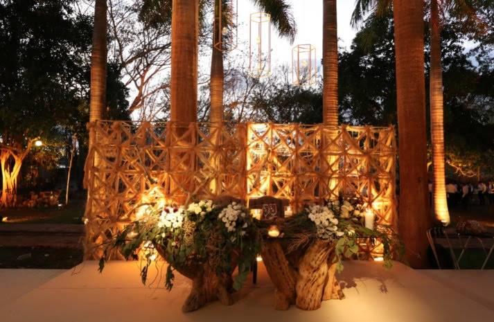 wooden Wedding furniture in cancun