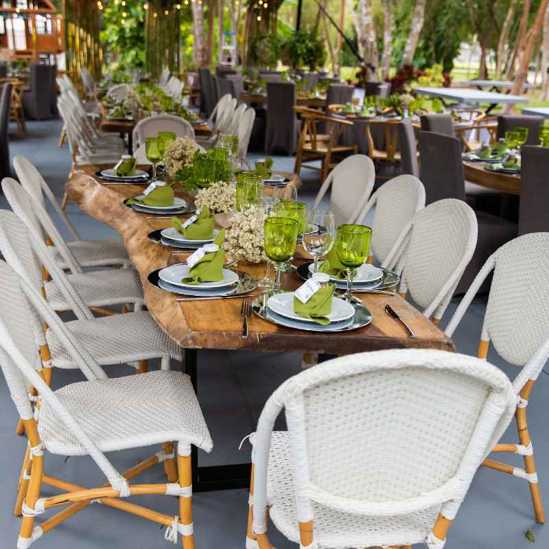 green decoration for wedding in Cancun