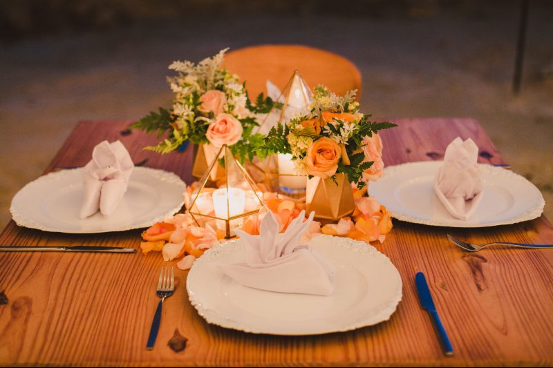 table decoration for beach weddings