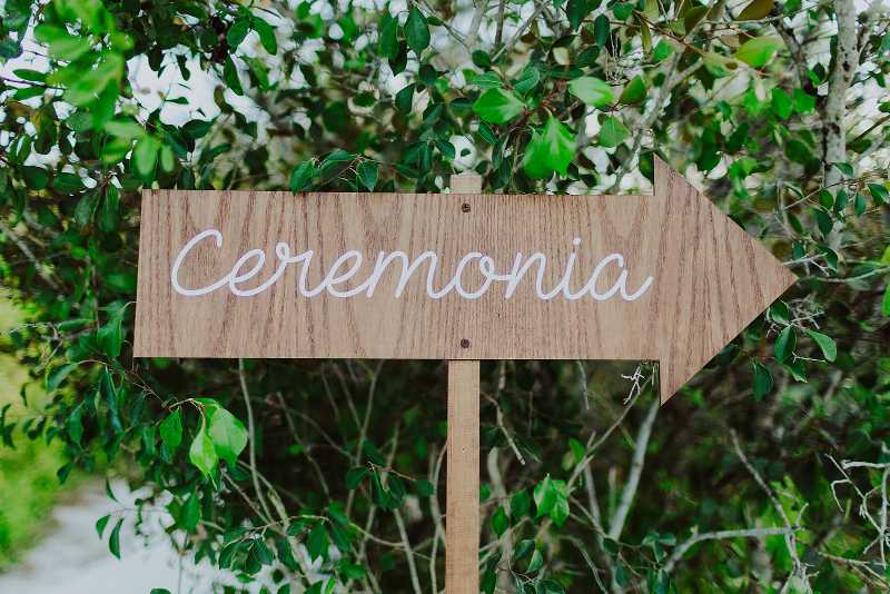 Wood decoration for weddings