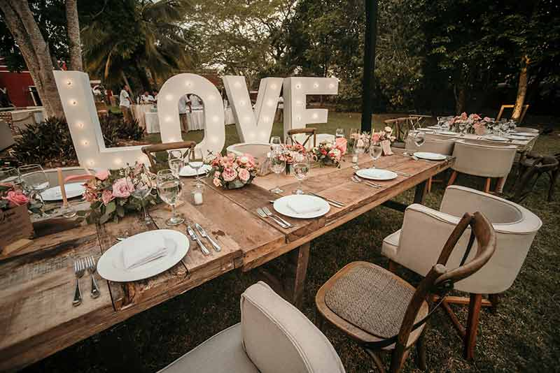 letrero love boda