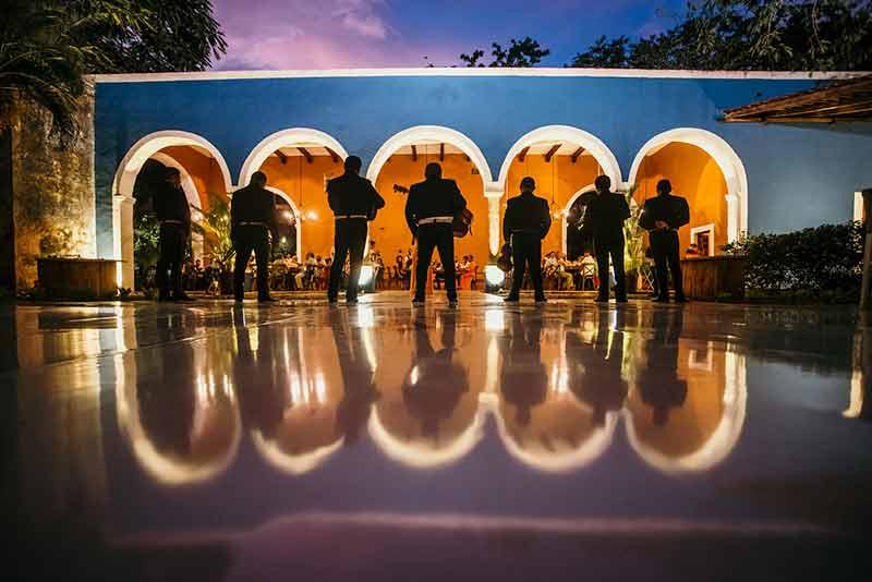 mariachis en boda hacienda